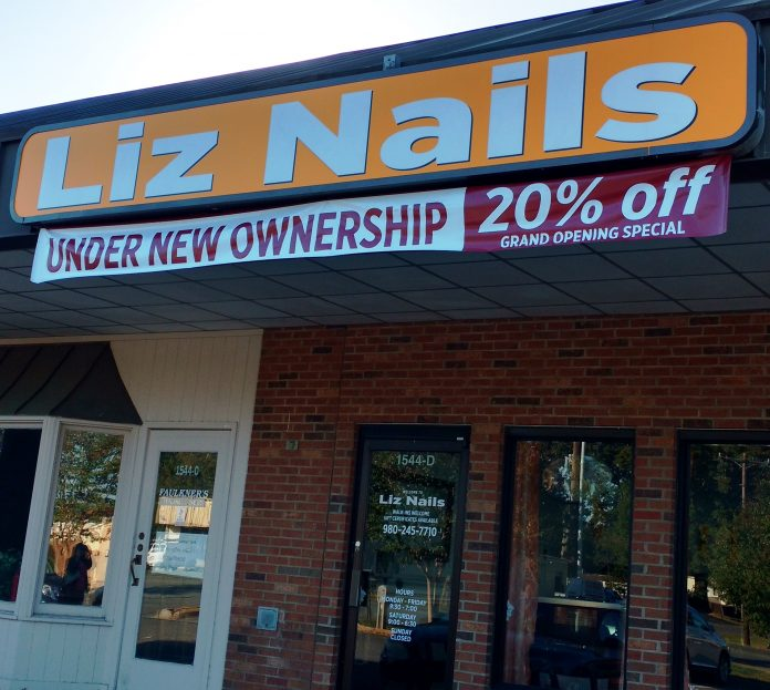 Storefront of Liz Nails