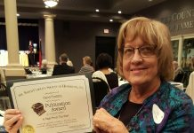 Carol Timblin receives award
