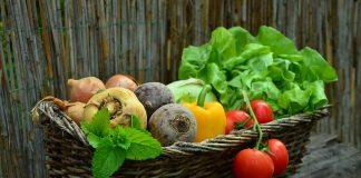 Eat vegetalbles for healthier hair