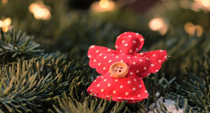 5 Easy Homemade Christmas Ornaments For Kids The Mint Hill Times